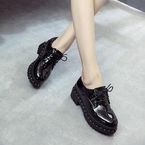 Image 5 - 2018 新スタイル英国リベット小さな靴女子学生韓国語バージョンローファー靴レディースシューズヨーロピアンアメリカンスタイル