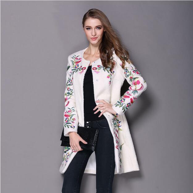 2017 Женское зимнее пальто с вышивкой, с длинными рукавами и круглым вырезом, элегантное модное пальто