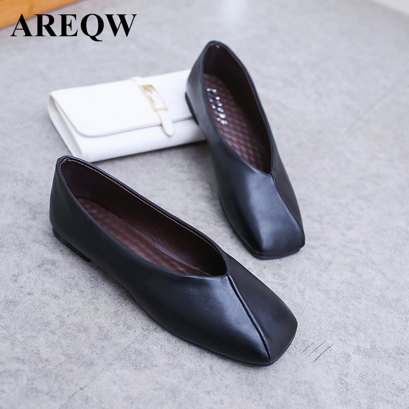 2017 new European and American women's shoes square flat shoes are thin women's shoes black single leather shoes european and american 2017 new lychee grain 100