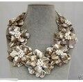 """Envío gratis >> >> > 18 """" collar llamativo oferta Natural MOP shell flor de la perla del collar del ahogador"""
