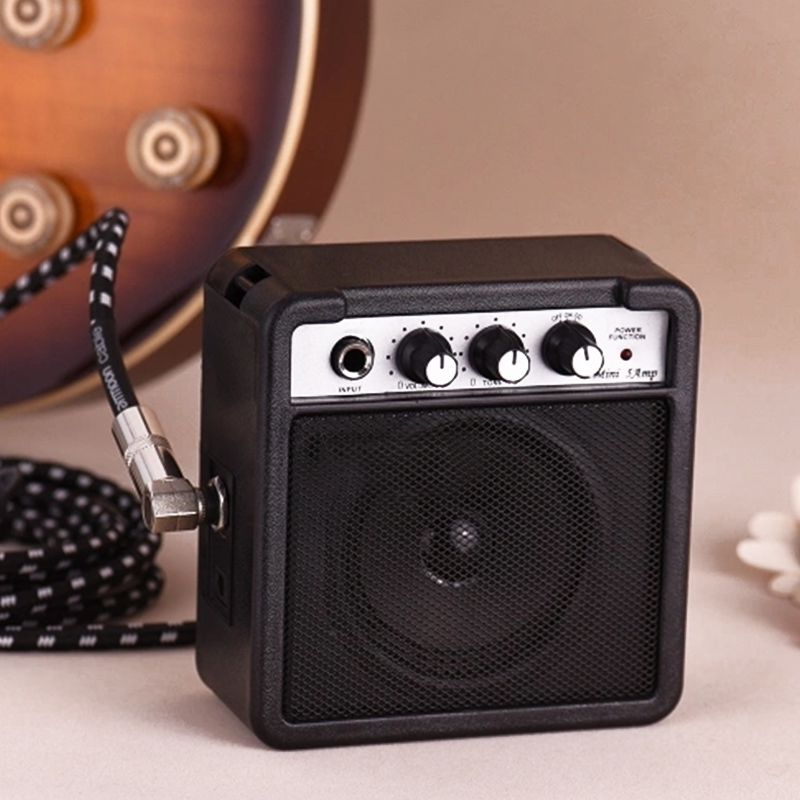 New Mini 5 Watt 9V Battery Powered Amp Amplifier Speaker for