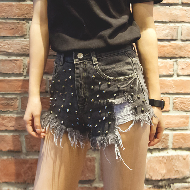 Streets old Joker handsome slim Burr hole Pocket denim shorts summer rivets women fashion jeans new