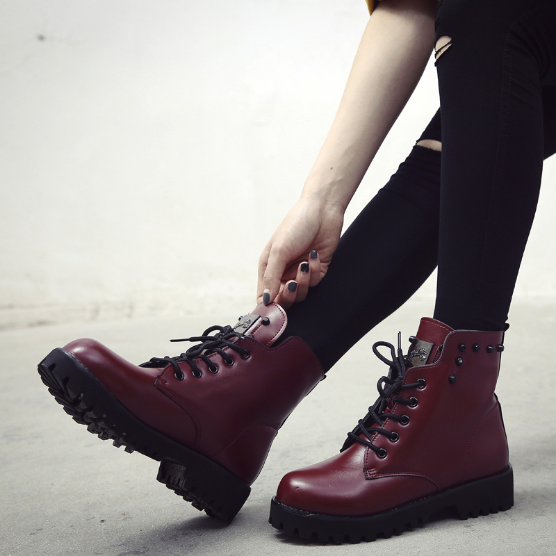 ФОТО Hot! Women Lace Up Martin Boots Ladies Brand Flat Shoes Winter warm plus velvet Leather surface women's casual shoes botas mujer