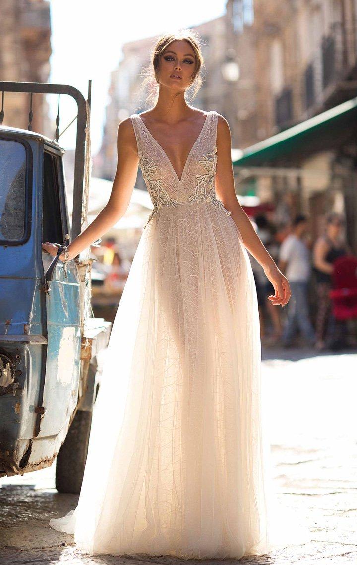 Eightree Deep V Neck Elegant Wedding dress Long Boho estido de noiva Backless Beach Bridal Dresses Ivory trouwjurk suknia slubna in Wedding Dresses from Weddings Events