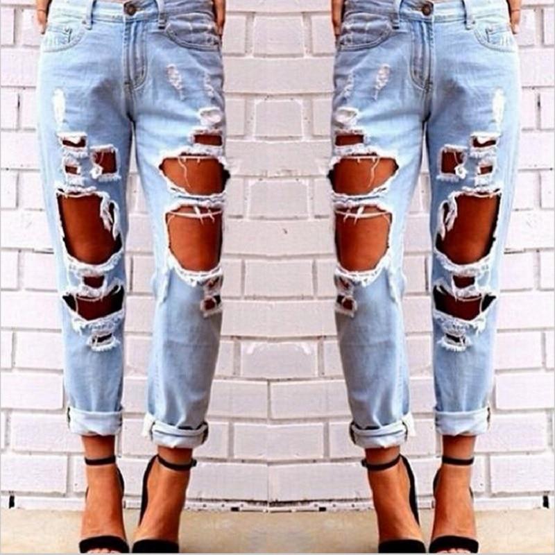 Pantalones vaqueros rotos de mujer