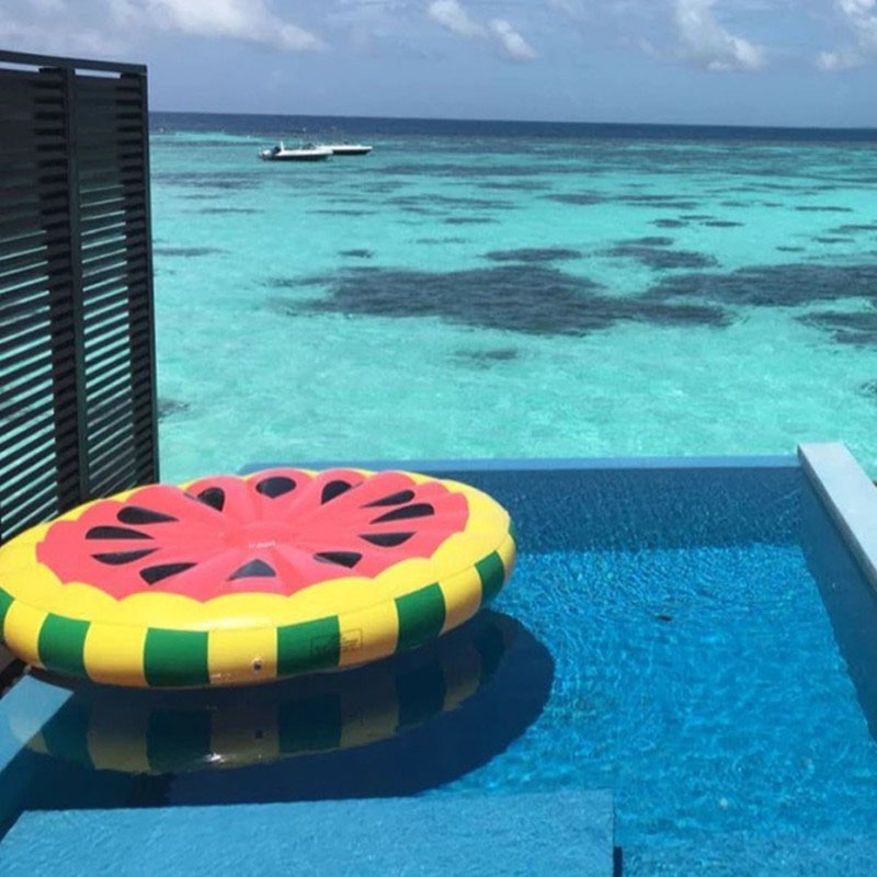 Giant Pool Float Inflatable Watermelo Lazy Air Mattress Bed Swim Ring Feamle Floating Row Water Fun Toy Swimming Laps giant pool float shells inflatable in water floating row pearl ball scallop aqua loungers floating air mattress donuts swim ring