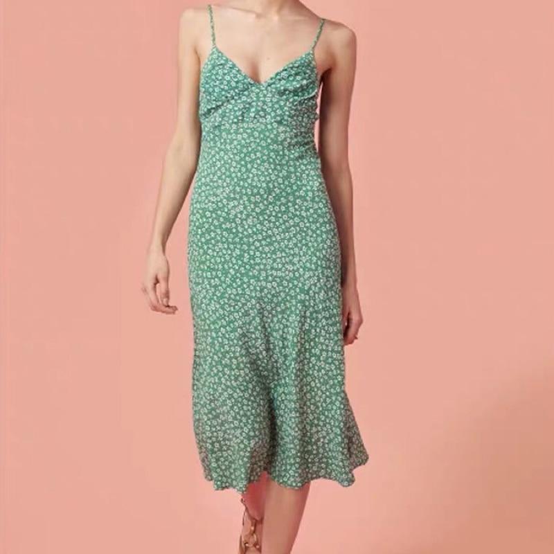 Kadın Giyim'ten Elbiseler'de % 100% viskon % 2019 baskılı fishtail halter midi fransız bayan rahat 3 renk midi elbise'da  Grup 1