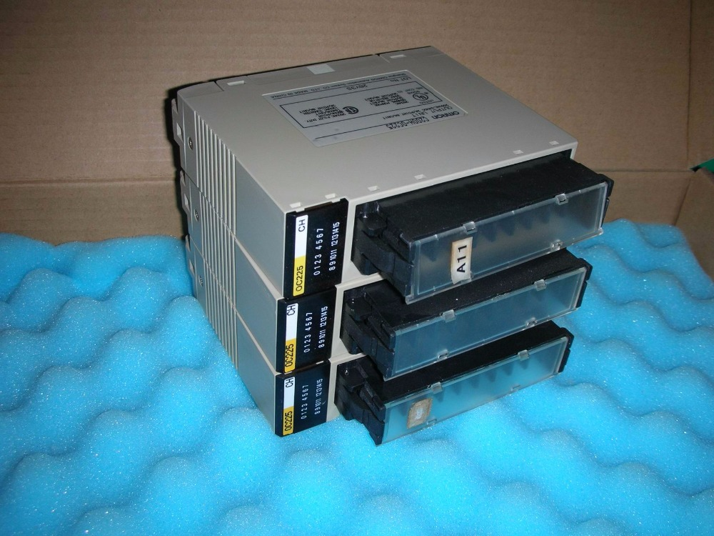 1PC USED OMRON C200H-OC225 1pc used disassemble the original omron plc module c200h md215