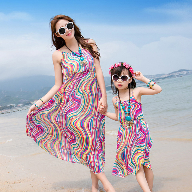 Mom And Daughter Dress 2017 Summer Matching Clothes Wave Family Look Mother  Daughter Dresses Kids Women