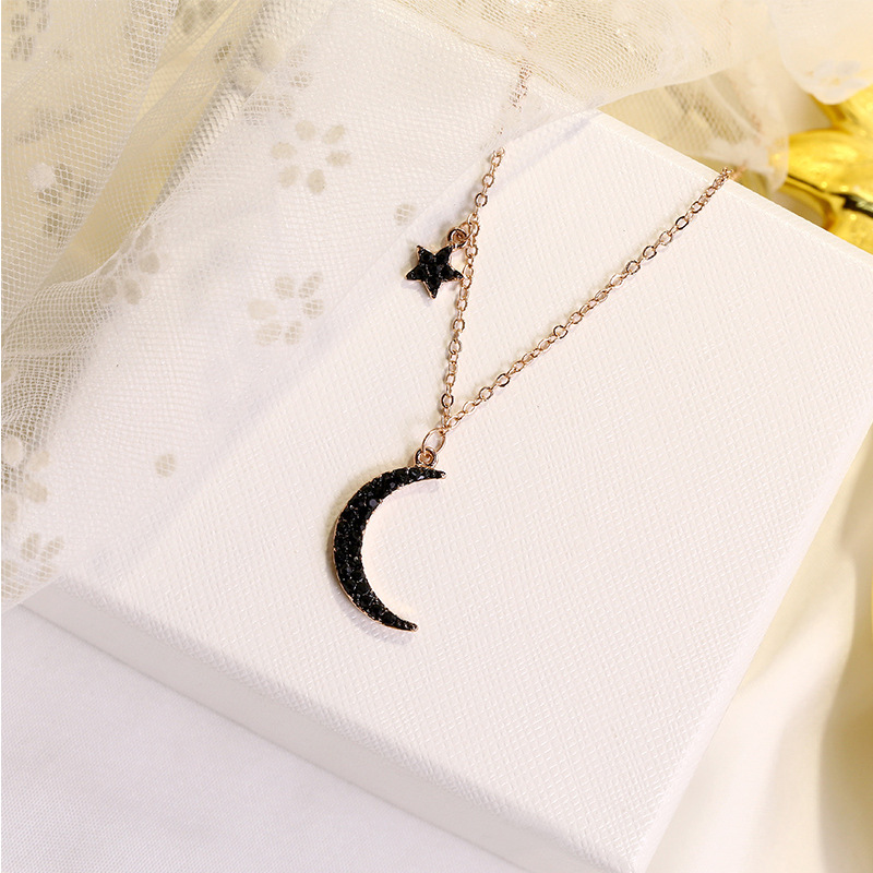 Rose gold black stars and moon beautiful collarbone chain Europe Japan and Korea elegant romantic necklace in Pendant Necklaces from Jewelry Accessories