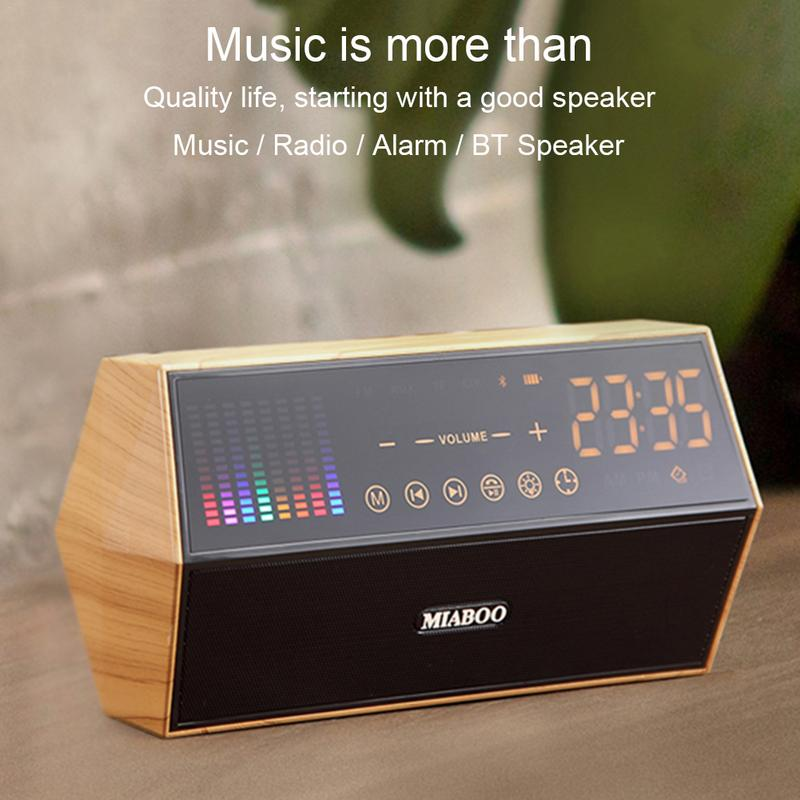 Retro classic wood grain LED touch panel FM radio clock display smart clock bluetooth speaker Portable audio and video equipment