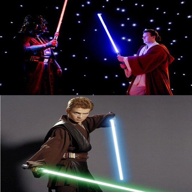 (2 unids/lote) Star Wars Lightsaber Led Luz Intermitente Juguetes Espada Cosplay Armas Puede Mutua percusión Sables de Acción de los niños