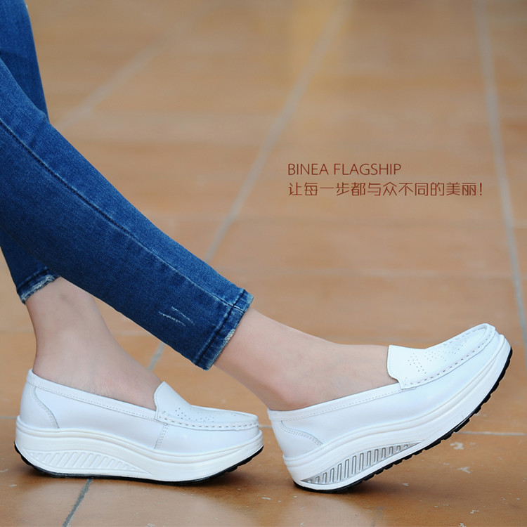 Women's shoes 2018 Summer genuine leather cutout breathable swing shoes white nurse shoes heighten mother shoes
