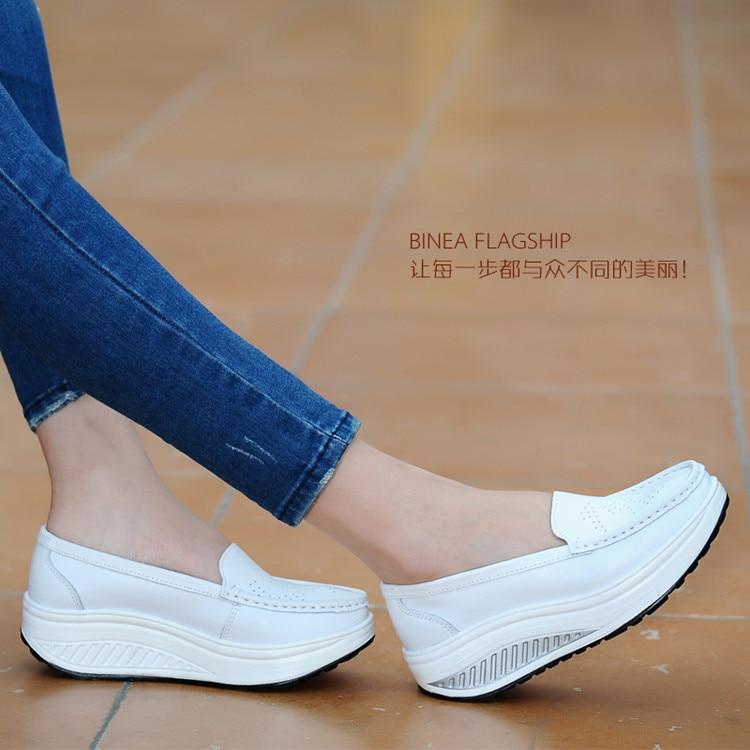 Női cipő 2018 Nyári valódi bőr kivágás lélegző hinta cipő fehér nővér cipő növeli az anya cipő