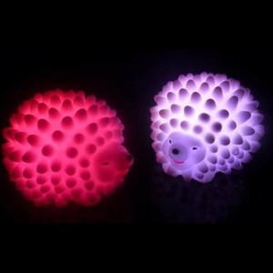 Image 2 - LED לילה אור ביתי קישוט מנורת שולחן מנורות שינוי צבע חג מולד הווה תינוק אור בית המיטה LED קיפוד