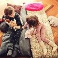 2016 Crianças Pijamas Set Pijamas das Crianças para As Meninas Usam na Sala de Manga Comprida com Flor Roupas Set para NightieCosply Infantis