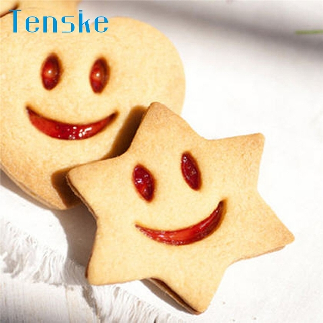 Tenske cake stencil 4Pcs/Set Smiling Face Cookies Cutter Pastry Biscuit Decorating mould Tools*30 GIFT 2017 Drop