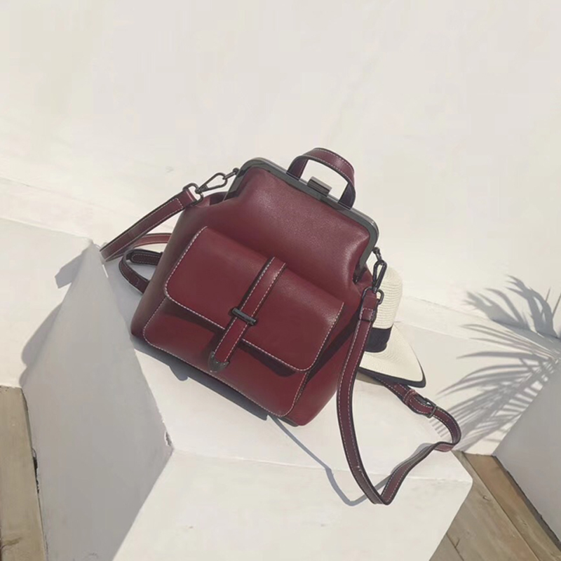 Korean version of the new backpack female simple wild clip bag temperament leisure Messenger small backpack aliwilliam 2017 new backpack female wild