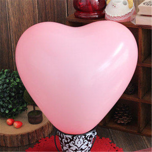 Image 4 - 50pcs 2.2g 10inch Red Pink White Heart Latex Balloons Wedding Marriage Birthday Party Decors Inflatable Helium Globos Proposal