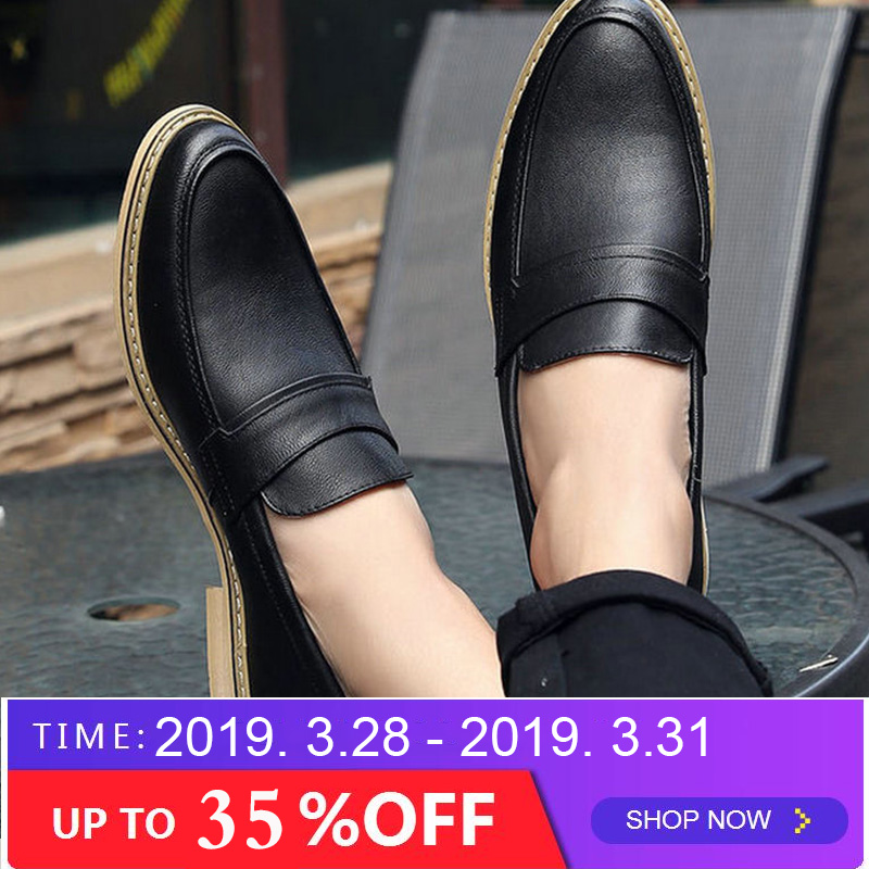 f687abf48d16f6 Designer italien Hommes Formelle chaussures habillées En Cuir Noir Blanc  chaussures de mariage mocassins hommes Chaussure