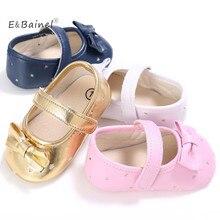 E& Bainel из искусственной кожи, для детей обувь Новорожденный Детская кроватка мягкая обувь Кроссовки Первые ходунки сердце 0-18 м