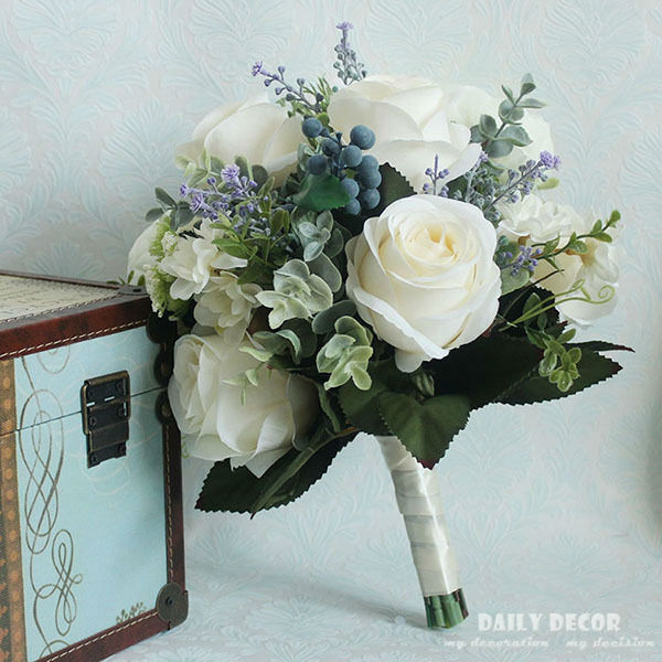 2017 New Vintage Wedding Flower Bridesmaid Bridal Bouquet Artificial Cream White Rose Blue Berry