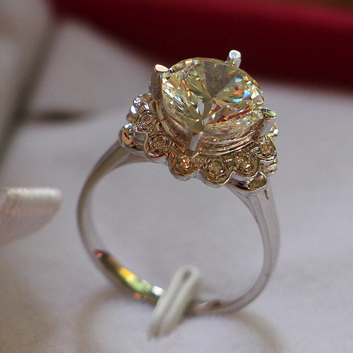 4 Carat Pure Gold 585 Vintage Flower Glorious Lovely