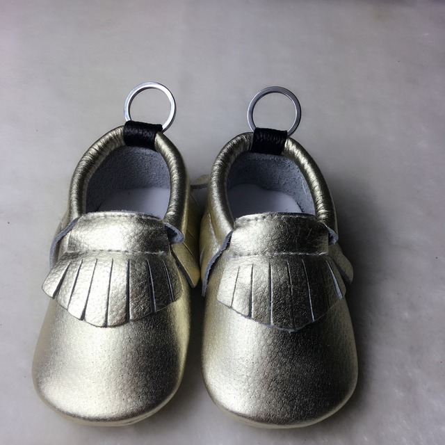 2017 New Genuine Leather Baby Moccasins Shoes solid keychain design Baby Shoes Newborn first walker Infant Shoes 5pairs/lot