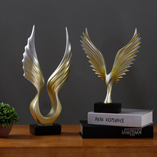 European Creative Resin Crafts Dapeng Wings Pattern Decoration TV Cabinet Office Wine