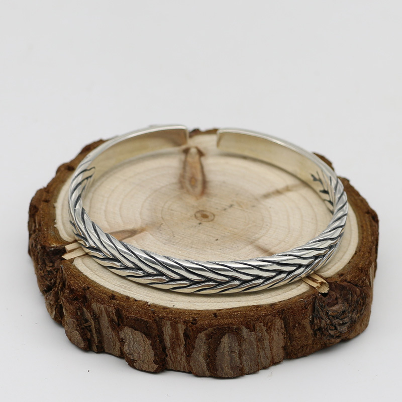 Japan And South Korea S925 Sterling Silver Male And Female Retro Thai Silver Twist Fashion Accessories Open Ended BangleJapan And South Korea S925 Sterling Silver Male And Female Retro Thai Silver Twist Fashion Accessories Open Ended Bangle