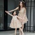 Primavera / verano vestidos madre hija Casual Floral bordado de la madre y las niñas vestidos fiesta Family Look vestidos princesa