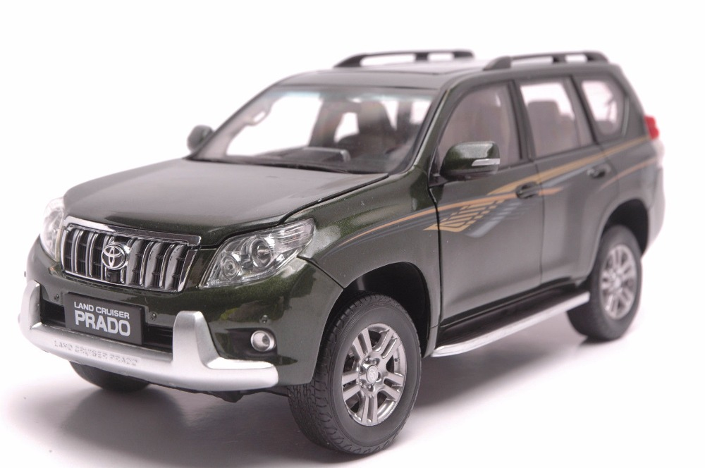 1:18 Diecast Model for Toyota Land Cruiser Prado 2010 Green SUV Alloy Toy Car Miniature Collection Gifts hot green 2010 1 18 new toyota land cruiser prado diecast model cars classic jeep suv classic