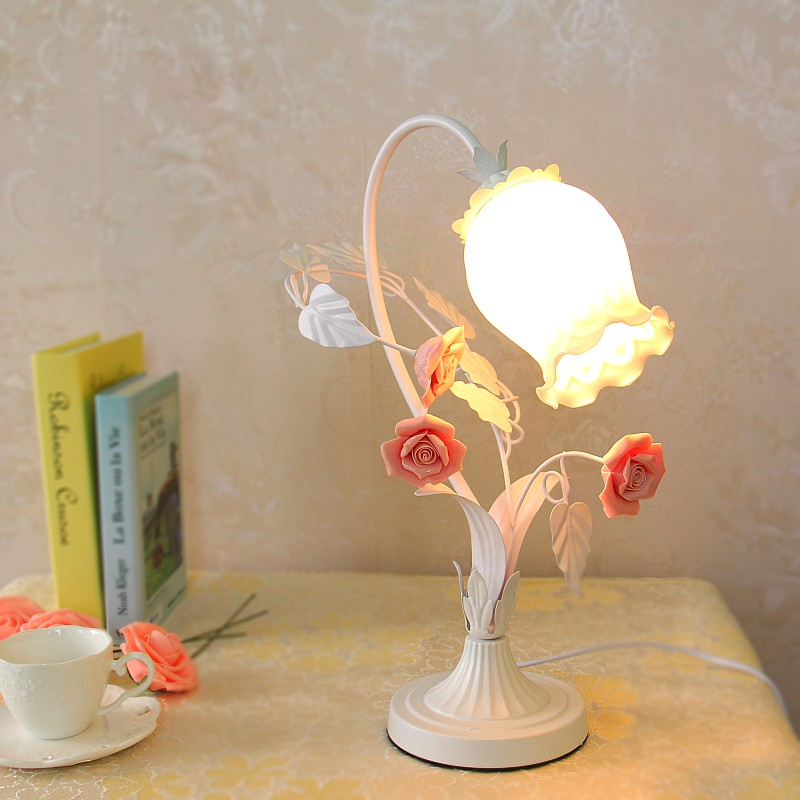 Pastoral style Korean wrought iron table lamp light pink rose flower bedroom dining room lamp 6inch european pastoral retro style table lamp colorful flower pattern lamp shade bedroom living room dining room lights