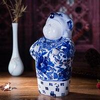 Цзиндэчжэнь ручной работы керамическая фигурка скульптурные украшения ручная роспись синий и белый фарфор кукла подарок на день рождения