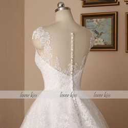 Lover Kiss Vestido De Noiva 2018 V-neck Bridal Ball Gowns Sleeveless Wedding Dresses Lace Appliques Body Real Image robe mariage 5