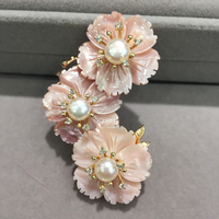 Romantic 3 flowers natural sea shell flower brooch pins with freshwater pearl pink flower cherry blossom fashion women jewelry