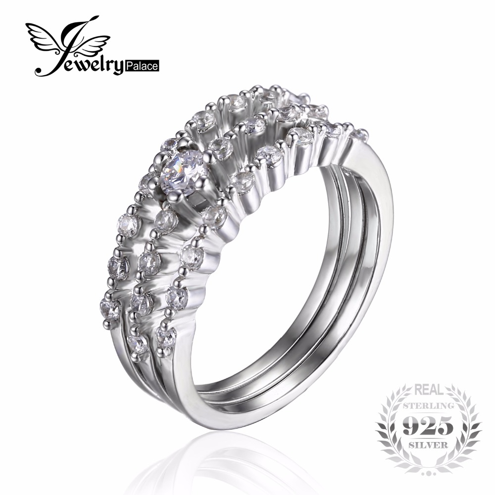 three stone engagement rings what wedding band did you choose 3 band wedding ring I think the plain band looks gorgeous with your e ring I always assumed I d go for a wedding band with diamonds but it just didn t work with the design of