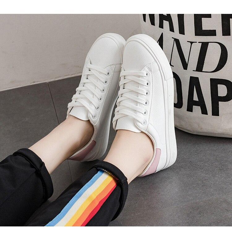 79f8916e16c Mulheres sapatos 2018 primavera hot moda branco pu couro mulheres sneakers  respirável tenis feminino sapatos femininos mulher em Vulcanize Sapatos Das  ...