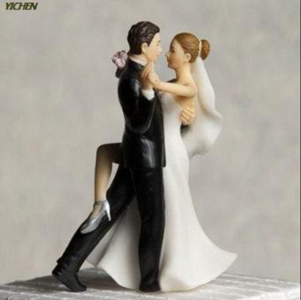 Doux Danse Mariee Et Le Marie Gateau De Mariage Topper