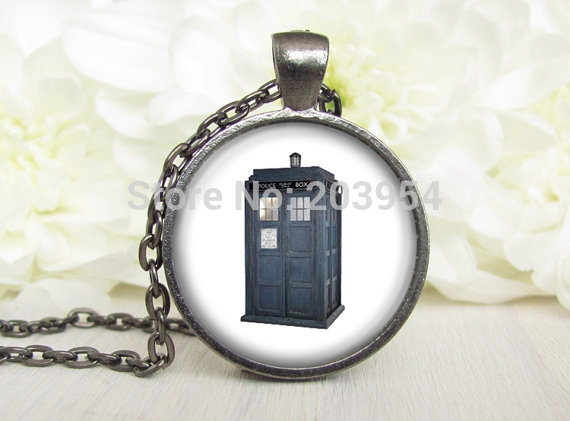 Steampunk movie doctor who fans tardis blue box Necklace 1pcs/lot police bronze steel Glass mens Pendant handmade drop shipping image