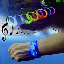 Мигающий силиконовый светодиодный браслет с голосовым управлением и логотипом, браслет с вибрационным управлением, украшение на Рождество, Новый Год, свадьбу