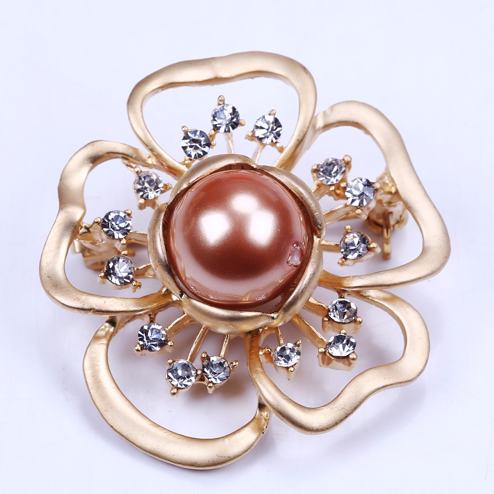 gold mop brooch pin rhinestone brooch in flower shape for your mothers