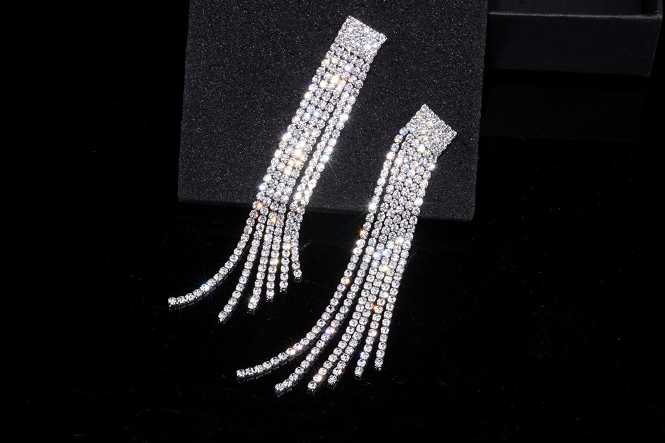 HTB1RQTra4HI8KJjy1zbq6yxdpXaE - New Silver Color Rhinestone Crystal Long Tassel Earrings for Women Bridal Drop Dangling Earrings Brincos Wedding Jewelry WX006