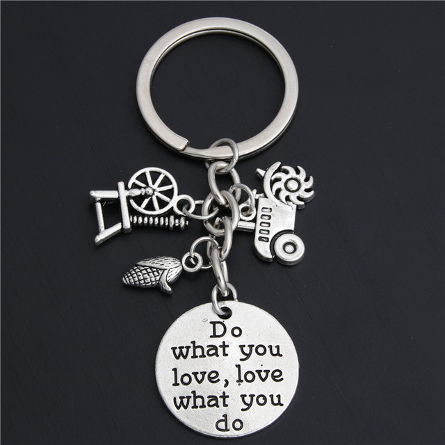 1pc Farmer Keychain Gift Farm Girl Equipment Tractor Keyring Corn On The Cob Do What You Love Jewelry E2048