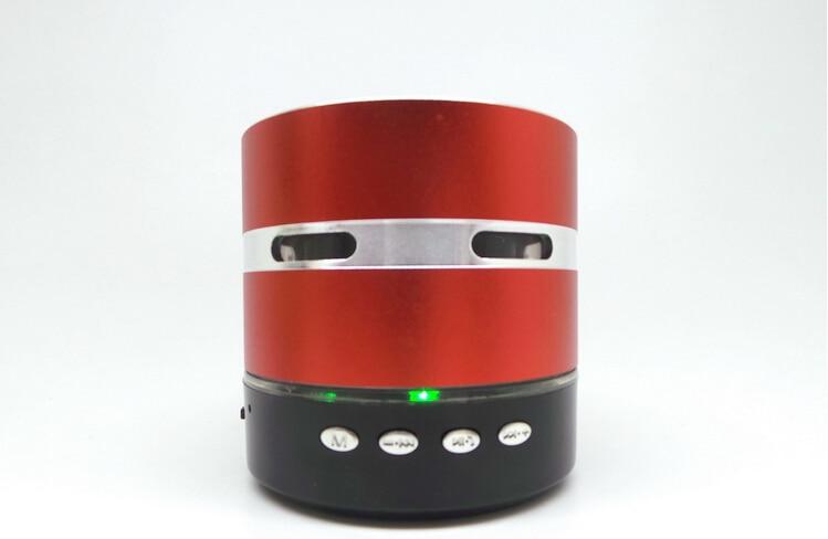 Envío gratis Mini Metal Estéreo portátil altavoz colorido LED - Audio y video portátil - foto 6