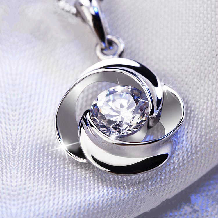 New fashion Exquisite Charm Pendant Necklaces S925 Silver Plated Zircon Jewelry Chain Necklace Women Gift Choker Necklace