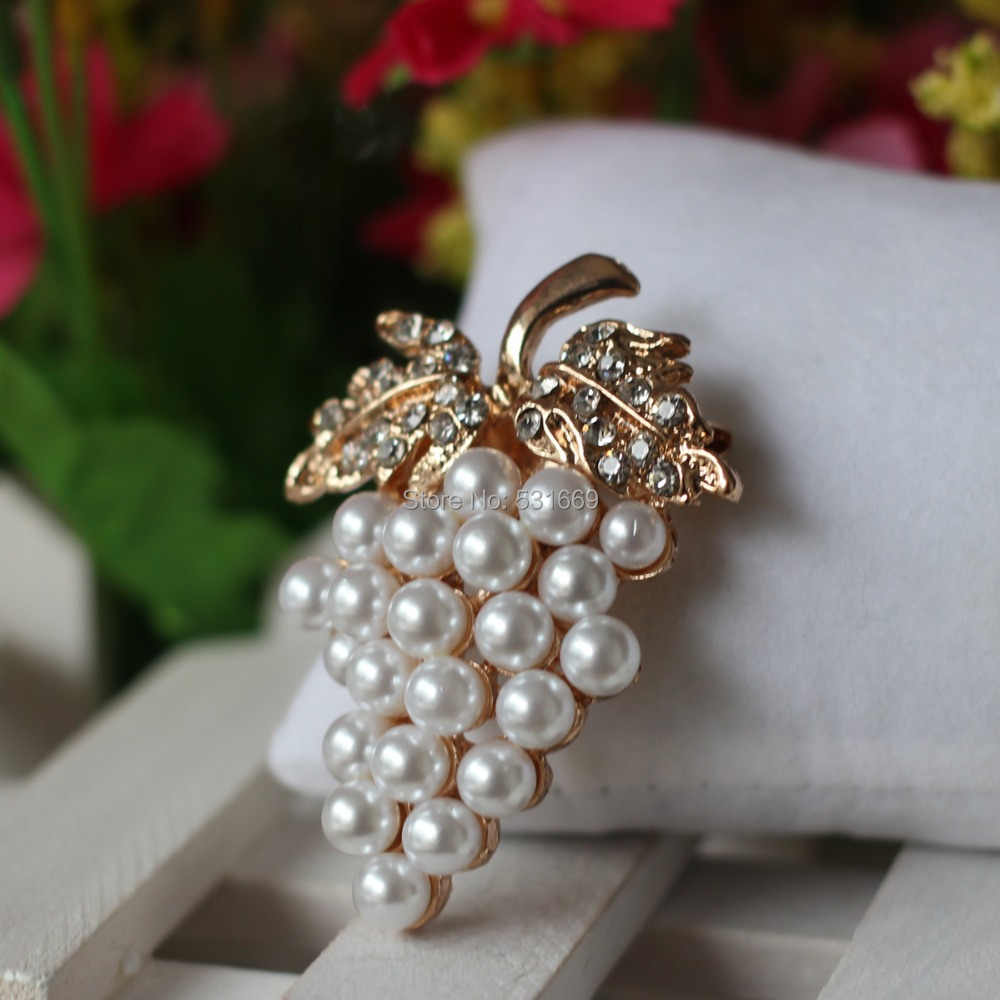 ddc735f9e Grapes Brooches Gold-color Imitation Pearl Brooch Rhinestone For Wedding  Bridal Dresses Hijab Clip Scarf