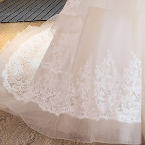 Image 5 - SL 25 New Sweetheart Cathedral Train Lace up  Pearls Wedding Dress 2017