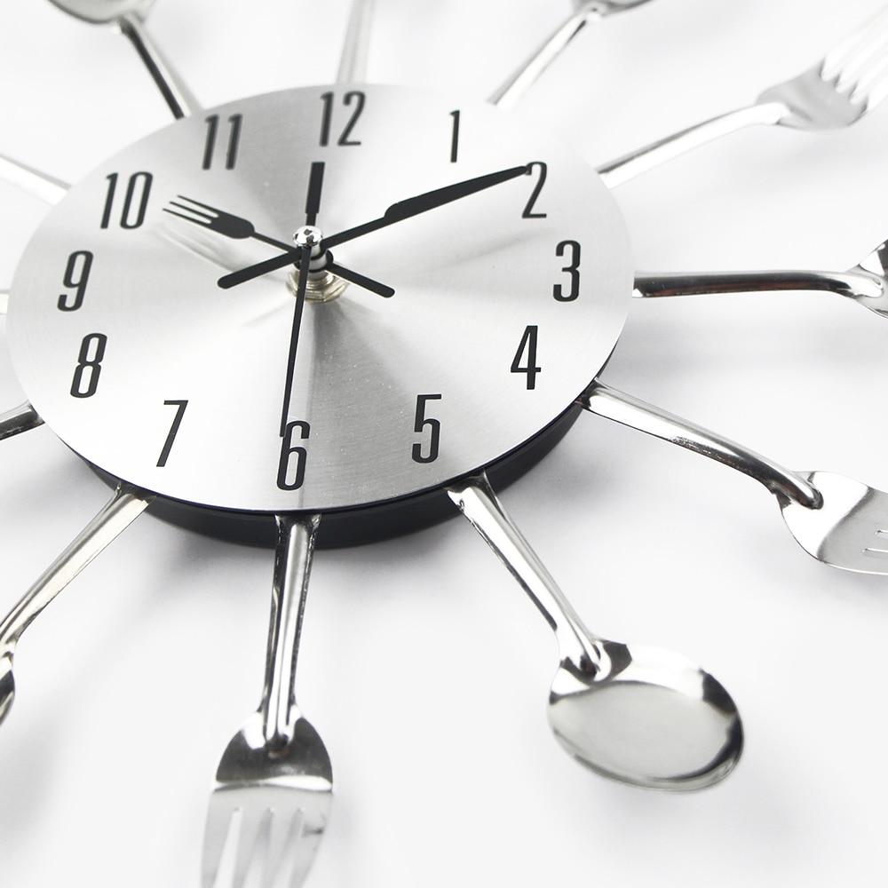 Cubiertos de cocina de Metal Reloj de pared cuchara tenedor creativo de cuarzo montado en la pared Relojes de diseño moderno decorativo Horloge Murale De La Venta caliente