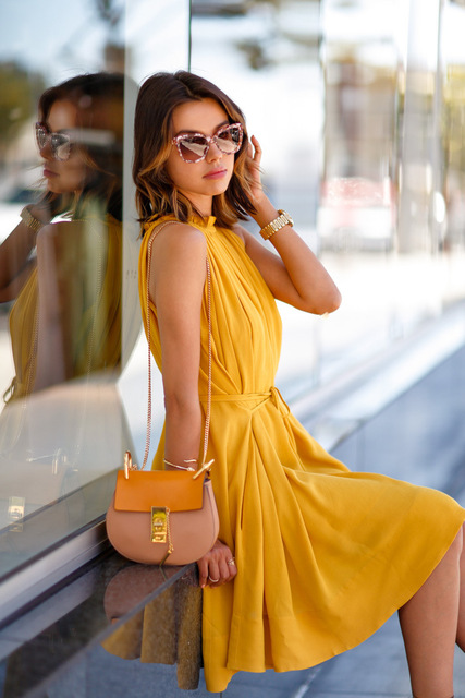 2018 summer pocket Sleeveless Pleated dress women casual fashion Bandage Sashes Beach party Bohemian woman dresses Yellow dress 1